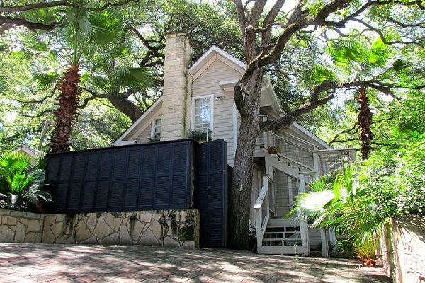 Downtown Austin Treehouse